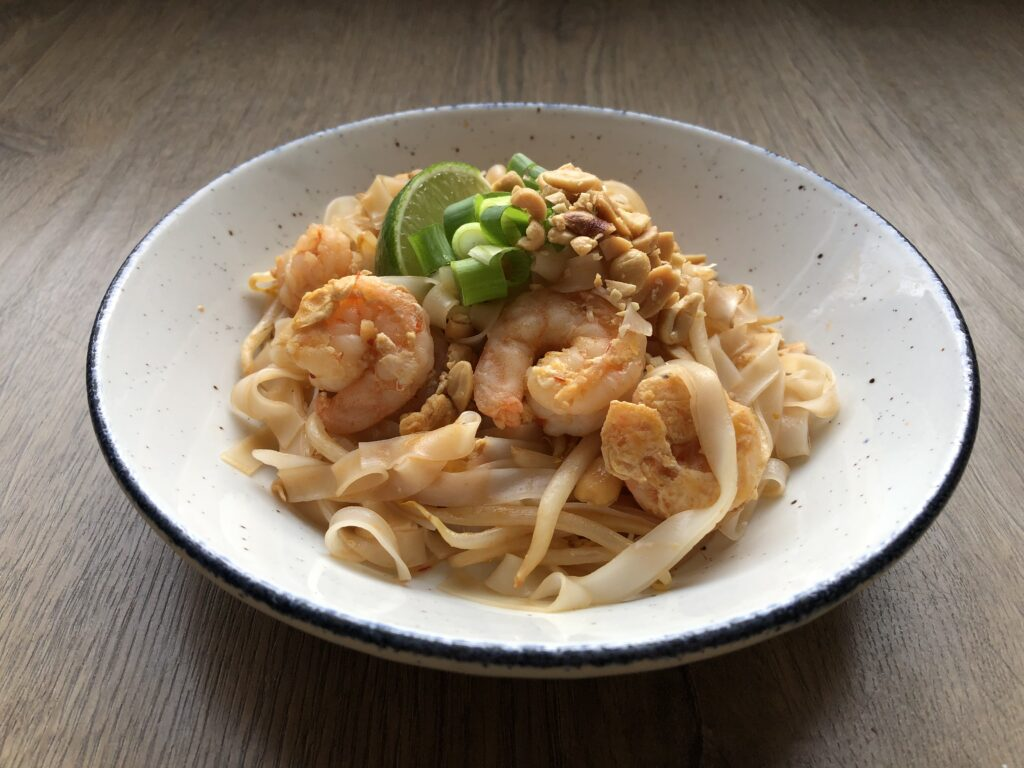 pad thai with prawns recipe de engelse buurvrouw