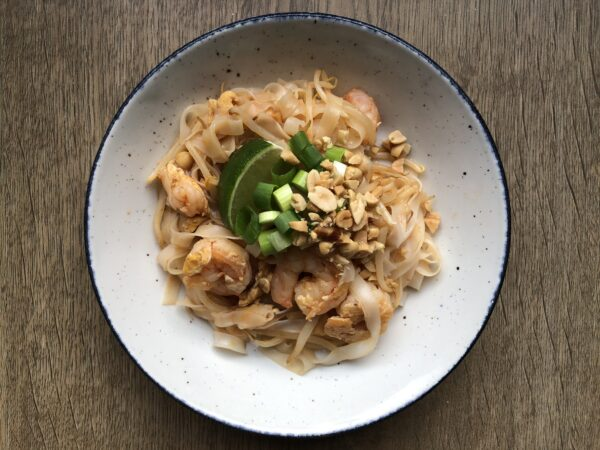 prawn pad thai simple quick recipe